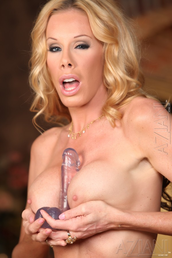 Nicole Sheridan S