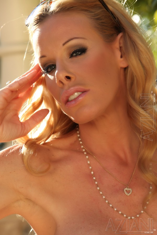 Eclusive Nicole Sheridan S And Videos Only At Aziani